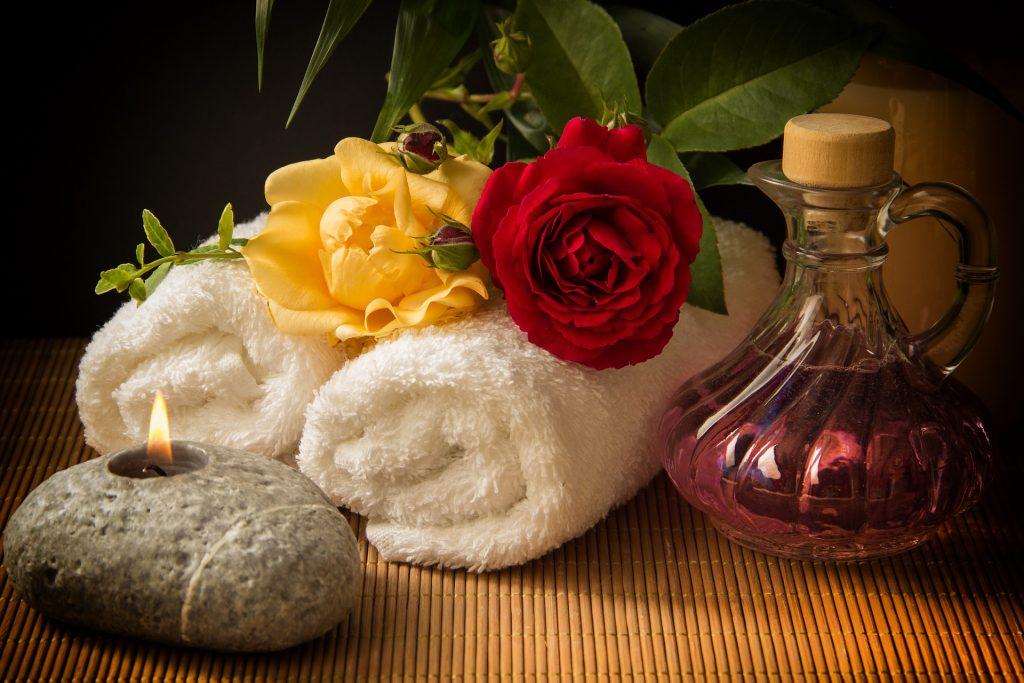 Tantra masáž Svitavy s ručníkem a růžemi
